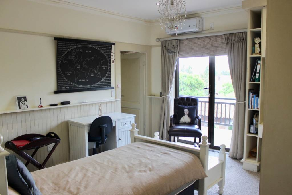 Woodland Hills property for sale. Ref No: 13473874. Picture no 22
