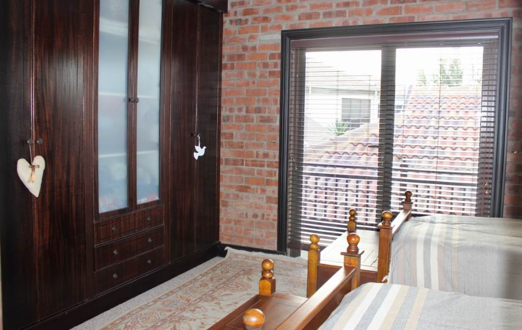 Woodland Hills property for sale. Ref No: 13473874. Picture no 27