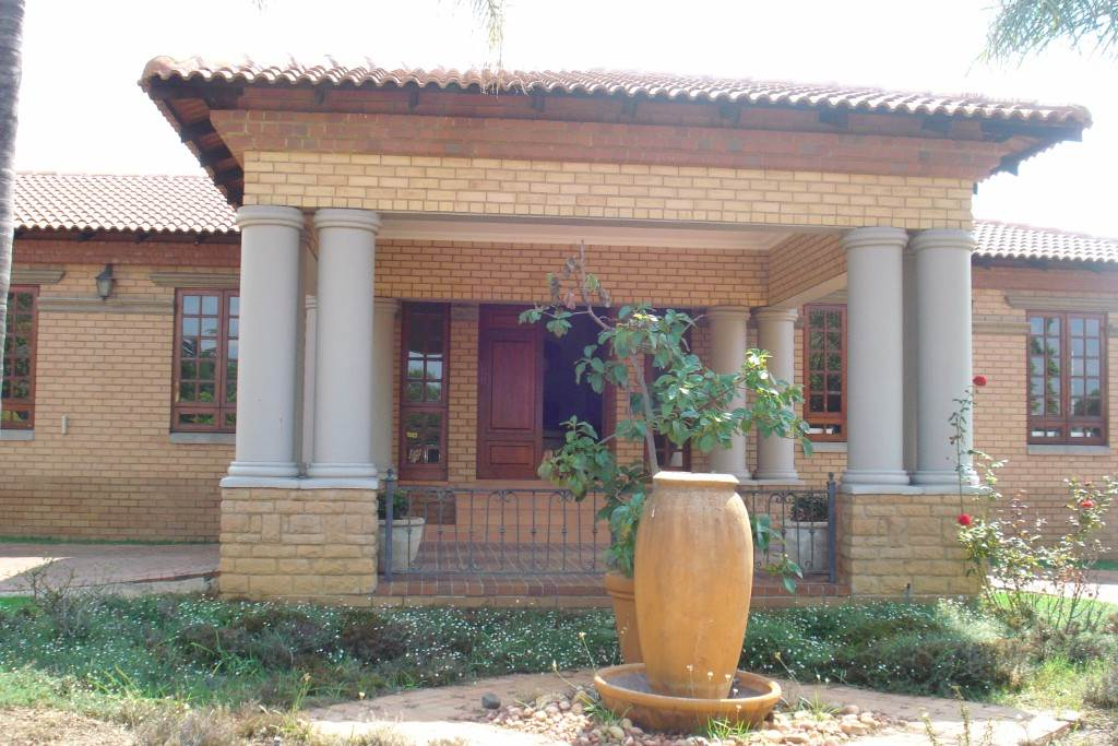 Waterkloof Ridge And Ext property for sale. Ref No: 13581027. Picture no 30