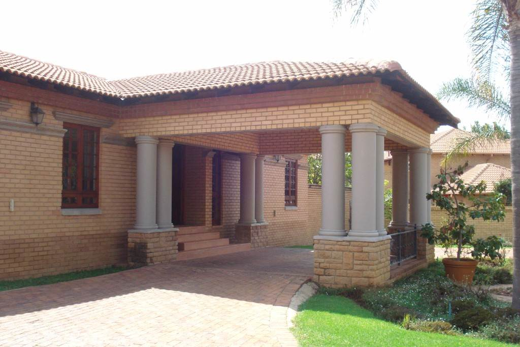 Waterkloof Ridge And Ext property for sale. Ref No: 13581027. Picture no 28