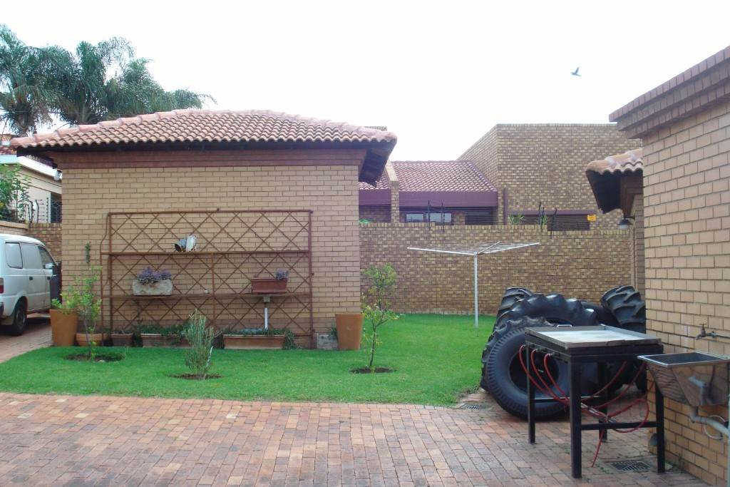 Waterkloof Ridge And Ext property for sale. Ref No: 13581027. Picture no 22