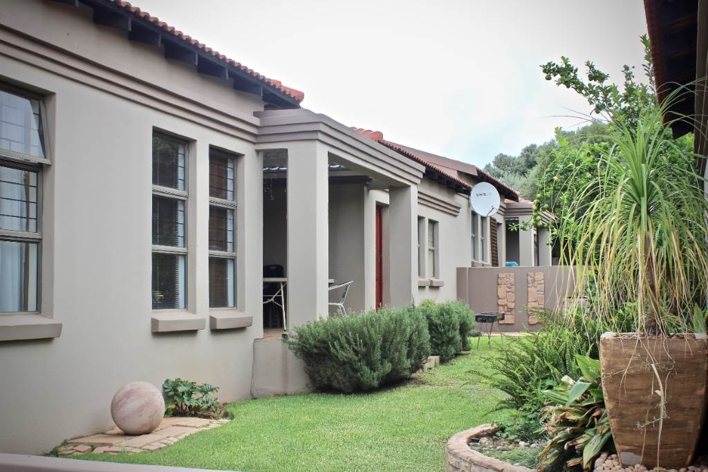 Bloemfontein, Woodland Hills Property  | Houses For Sale Woodland Hills, WOODLAND HILLS, Townhouse 3 bedrooms property for sale Price:1,475,000