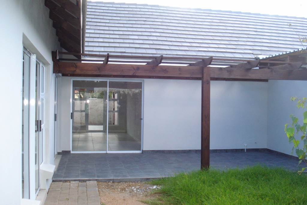 Waterkloof Ridge property for sale. Ref No: 13534687. Picture no 13
