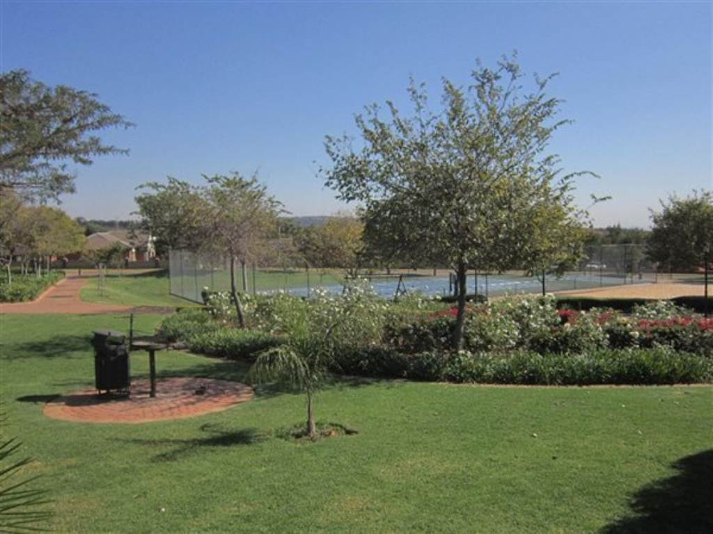 Mooikloof Ridge property for sale. Ref No: 13534864. Picture no 21