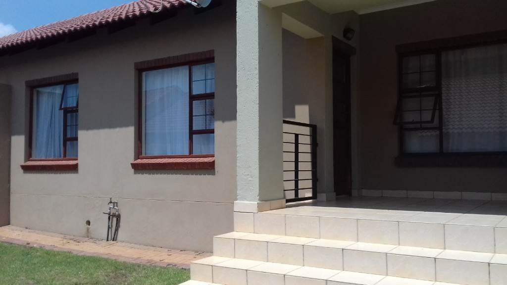 3 BedroomTownhouse For Sale In Bendor