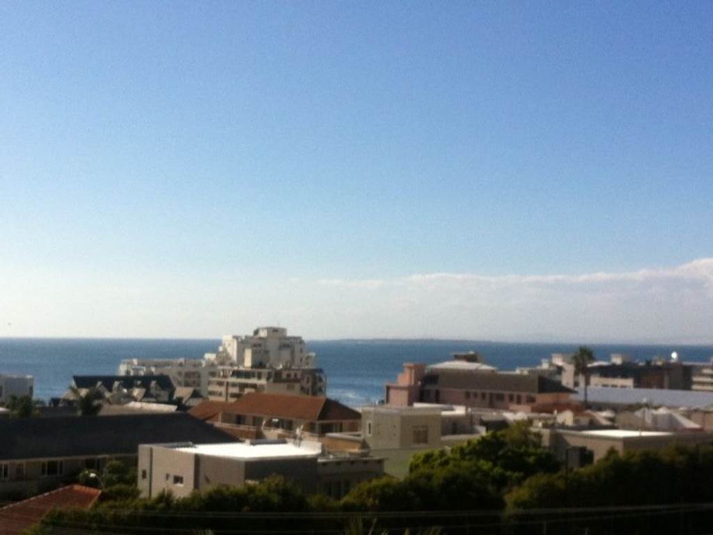 Bantry Bay property to rent. Ref No: 13475446. Picture no 12