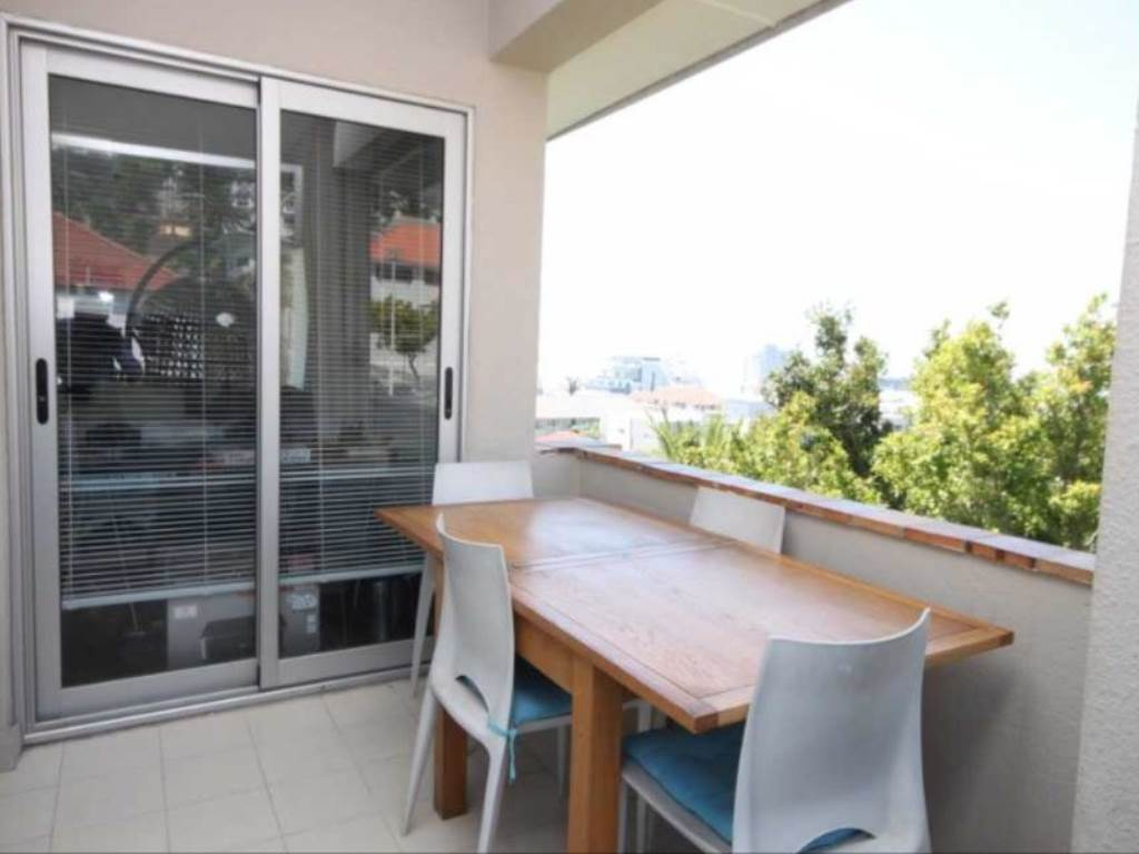 Bantry Bay property to rent. Ref No: 13475446. Picture no 4