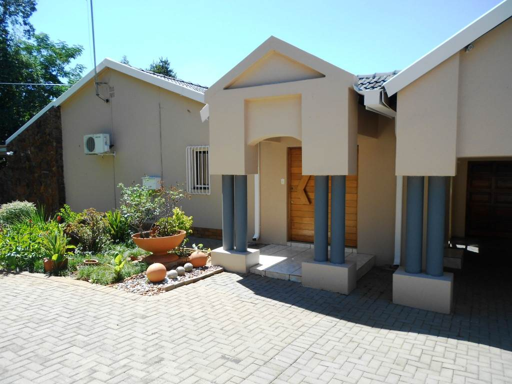Property and Houses for sale in Lynnwood, House, 4 Bedrooms - ZAR 3,600,000
