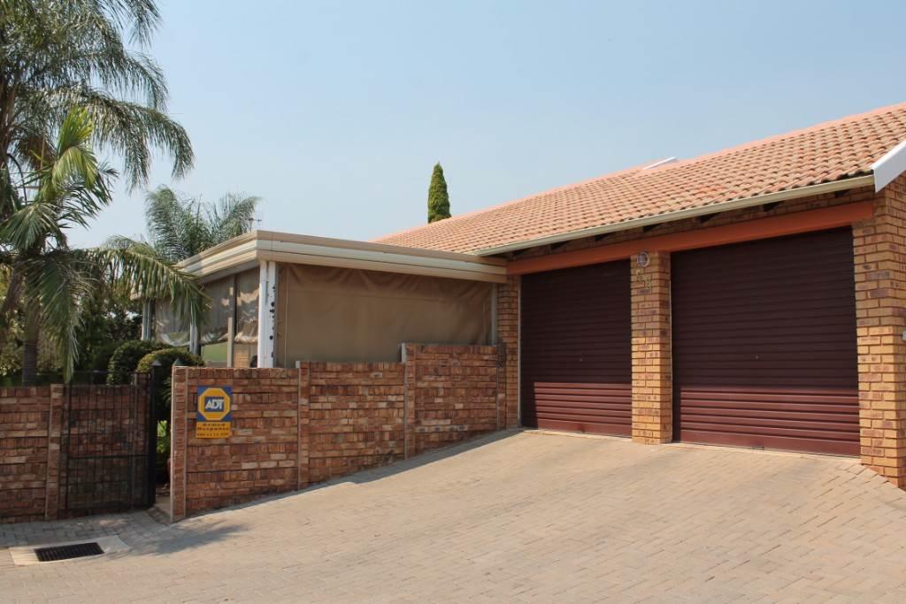 Akasia, Ninapark Property  | Houses For Sale Ninapark, NINAPARK, Townhouse 3 bedrooms property for sale Price:985,000