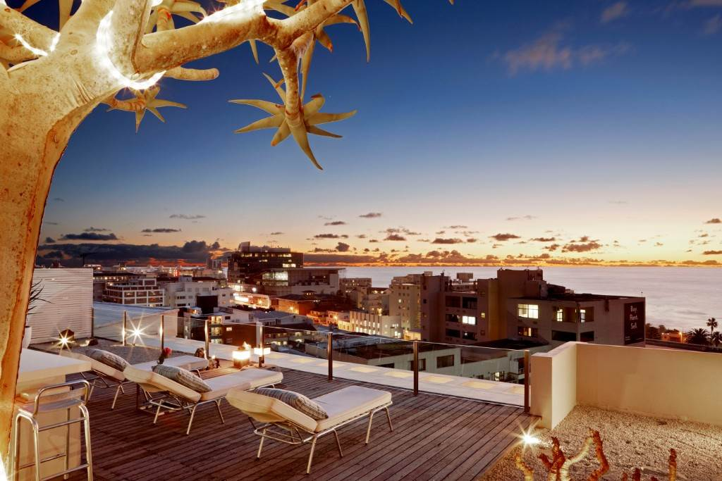 Cape Town, Sea Point Property    Houses To Rent Sea Point, SEA POINT, Penthouse 3 bedrooms property to rent Price:, 50,00*