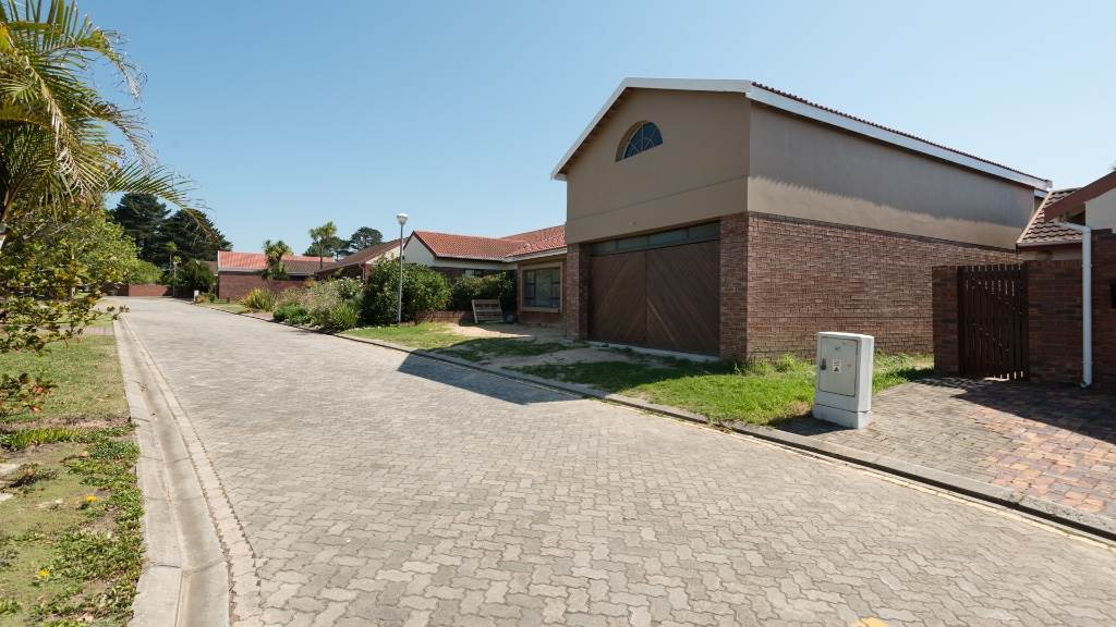 4 BedroomHouse For Sale In Glenwood