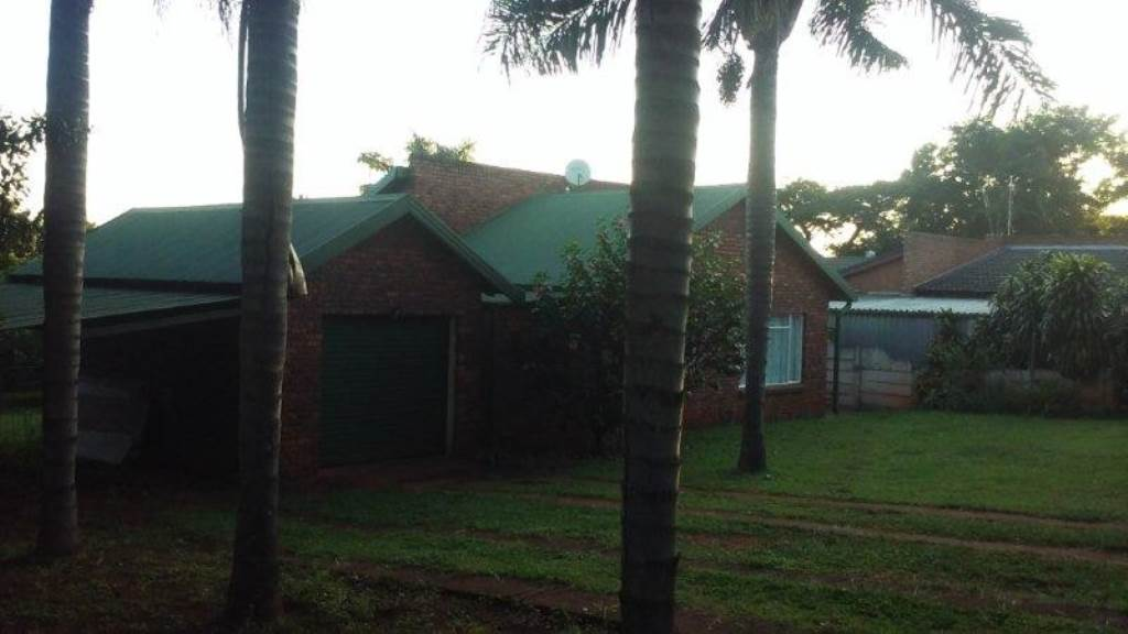 2 BedroomHouse For Sale In Louis Trichardt