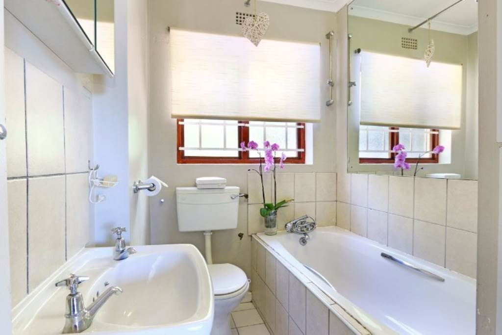 Llandudno property to rent. Ref No: 13534502. Picture no 12