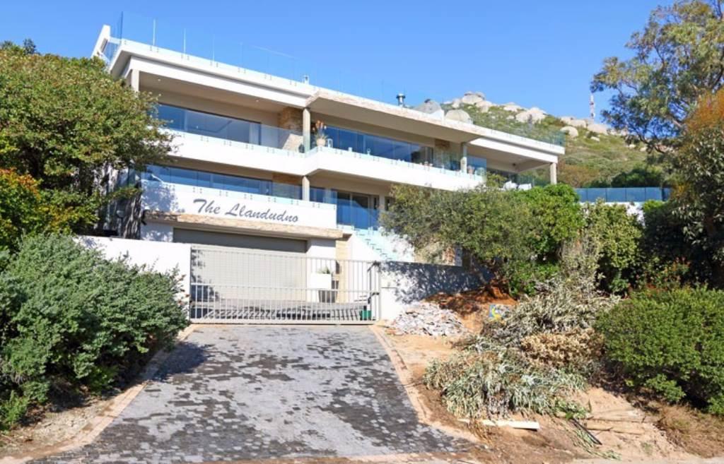 Llandudno property to rent. Ref No: 13475812. Picture no 4