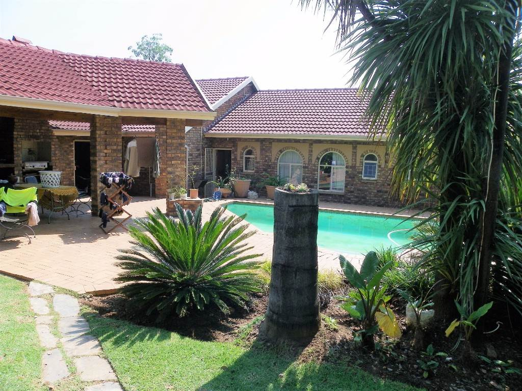 Property and Houses for sale in Constantia Park, House, 4 Bedrooms - ZAR 2,390,000