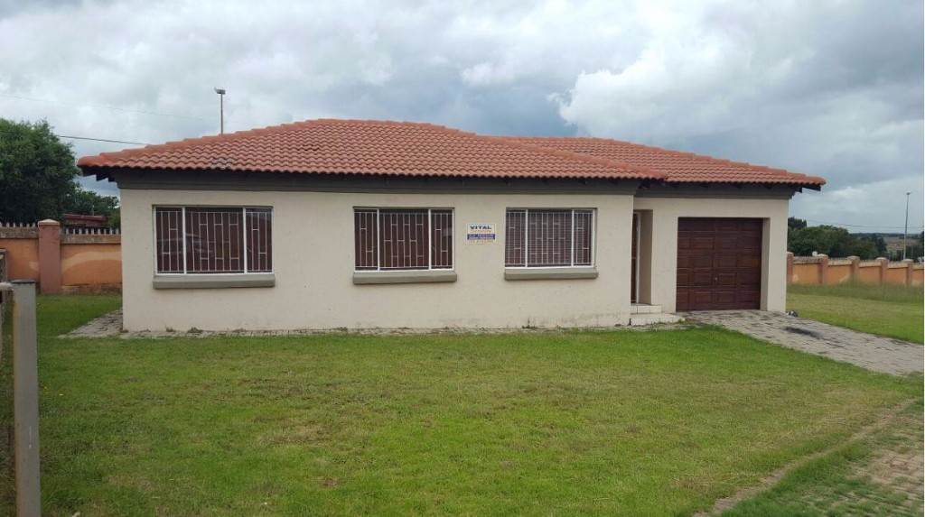 3 BedroomTownhouse To Rent In Witbank Ext 8