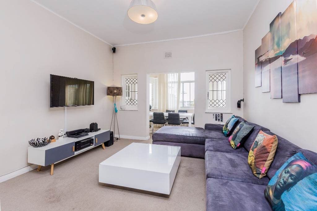 Green Point property for sale. Ref No: 13475853. Picture no 4