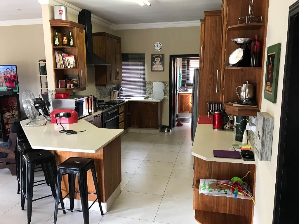 House Rental Monthly in SOUTHDOWNS ESTATE