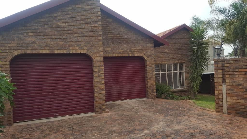 Pretoria, Moreleta Park Property    Houses To Rent Moreleta Park, MORELETA PARK, House 3 bedrooms property to rent Price:, 12,00*