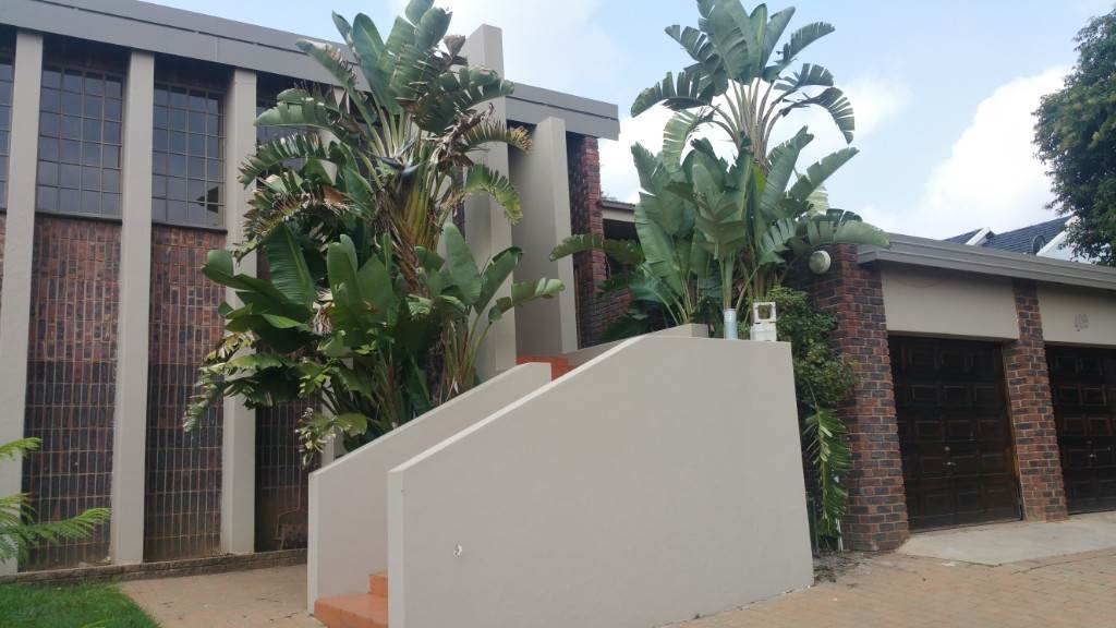Property and Houses for sale in Waterkloof Ridge Ext 2, House, 4 Bedrooms - ZAR 2,650,000