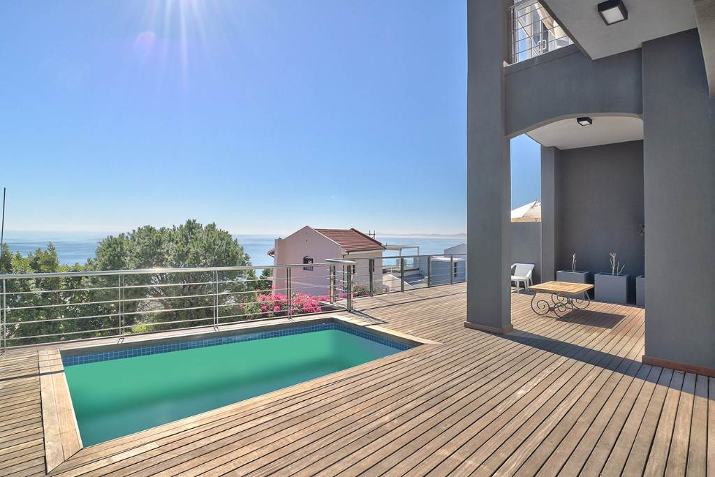 Bantry Bay property for sale. Ref No: 13477056. Picture no 5