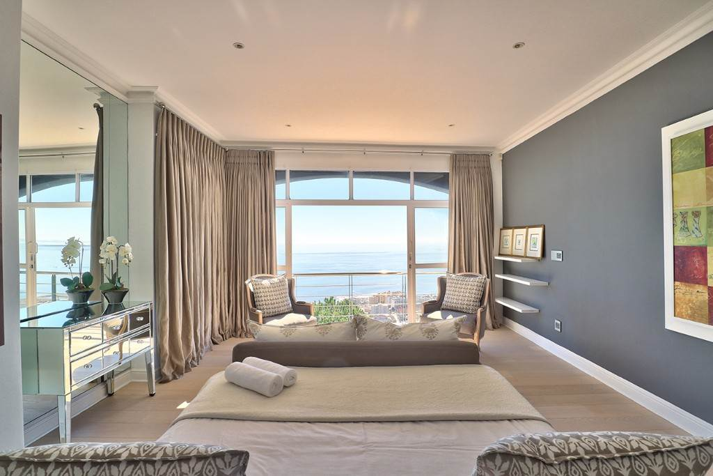 Bantry Bay property for sale. Ref No: 13477056. Picture no 14