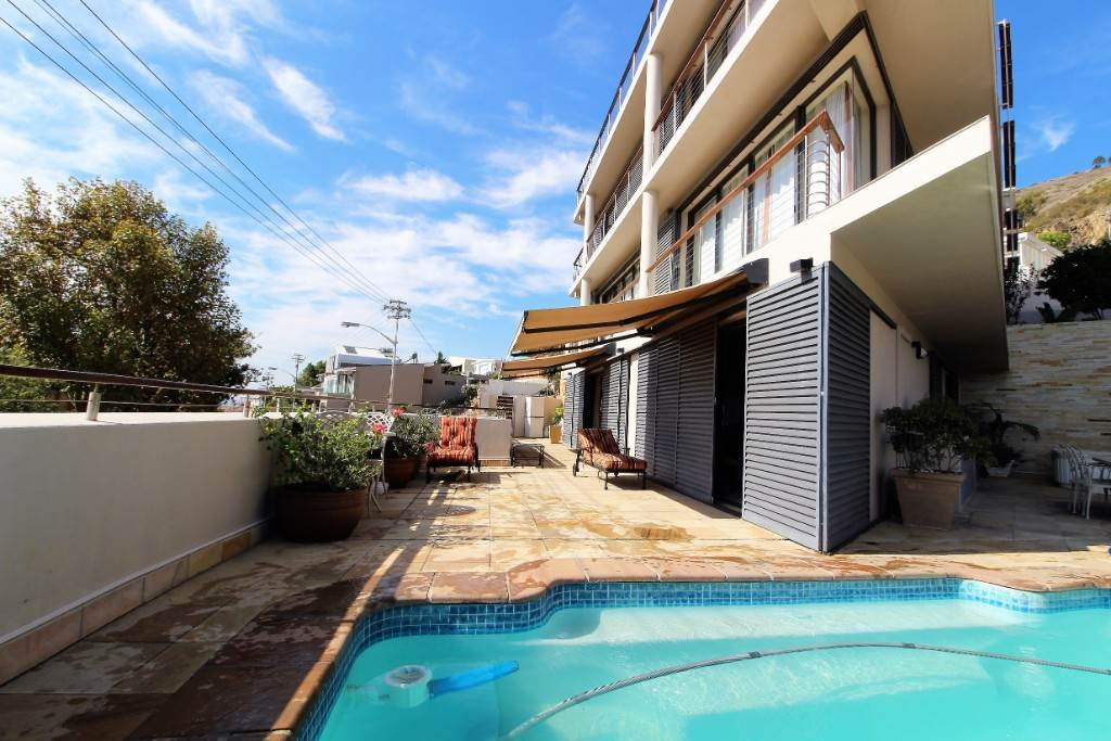 Sea Point property for sale. Ref No: 13477176. Picture no 13