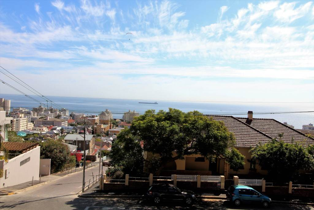 Sea Point property for sale. Ref No: 13477176. Picture no 14