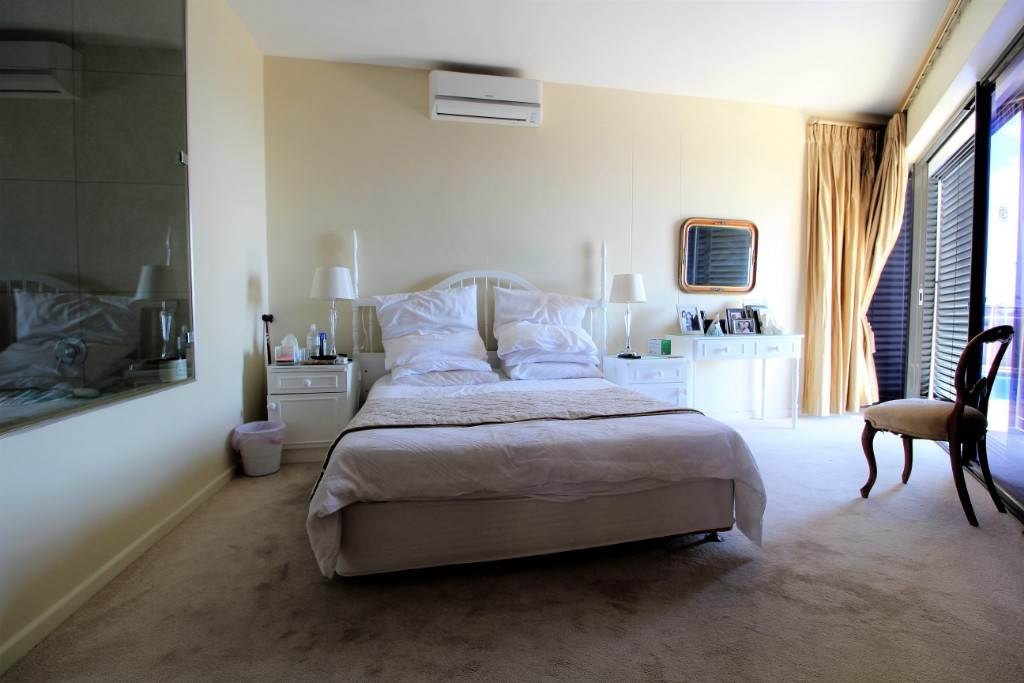 Sea Point property for sale. Ref No: 13477176. Picture no 15