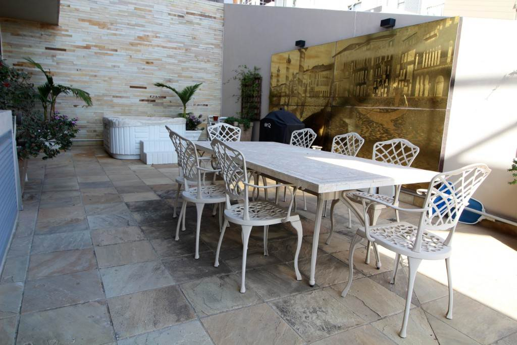 Sea Point property for sale. Ref No: 13477176. Picture no 9
