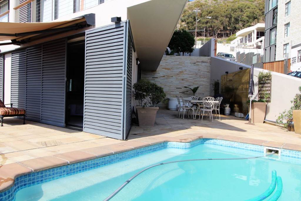 Sea Point property for sale. Ref No: 13477176. Picture no 12