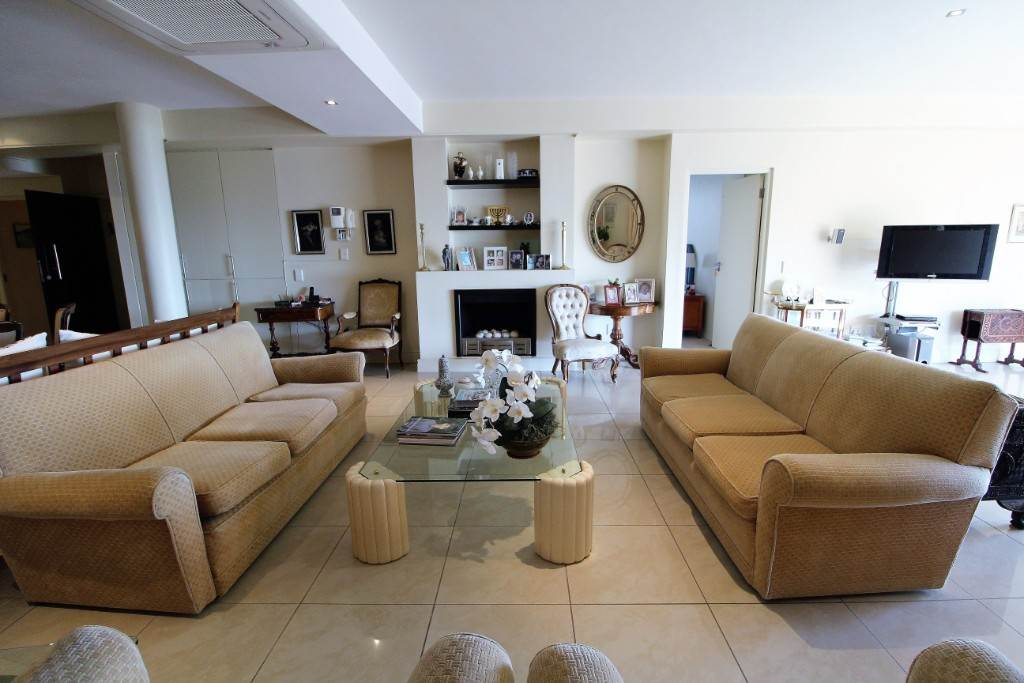 Sea Point property for sale. Ref No: 13477176. Picture no 7