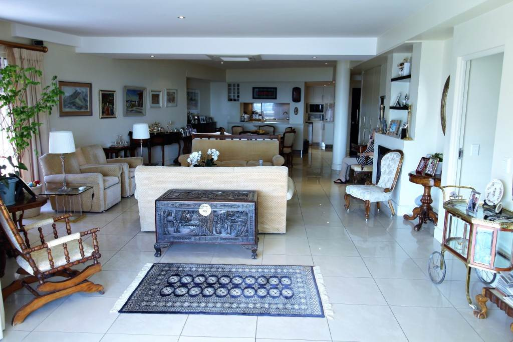 Sea Point property for sale. Ref No: 13477176. Picture no 8