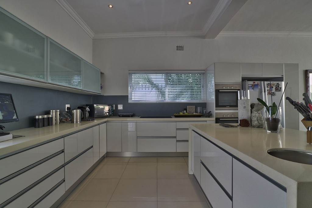 Fresnaye property for sale. Ref No: 13477967. Picture no 19