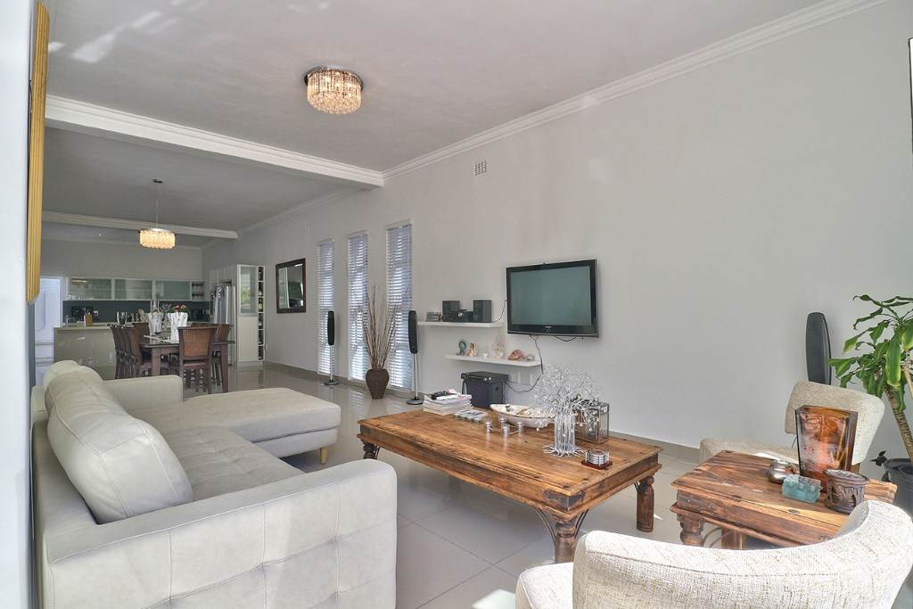 Fresnaye property for sale. Ref No: 13477967. Picture no 12