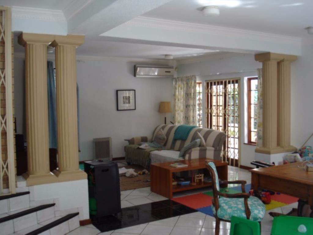 Waterkloof Ridge Ext 2 property for sale. Ref No: 13534319. Picture no 11