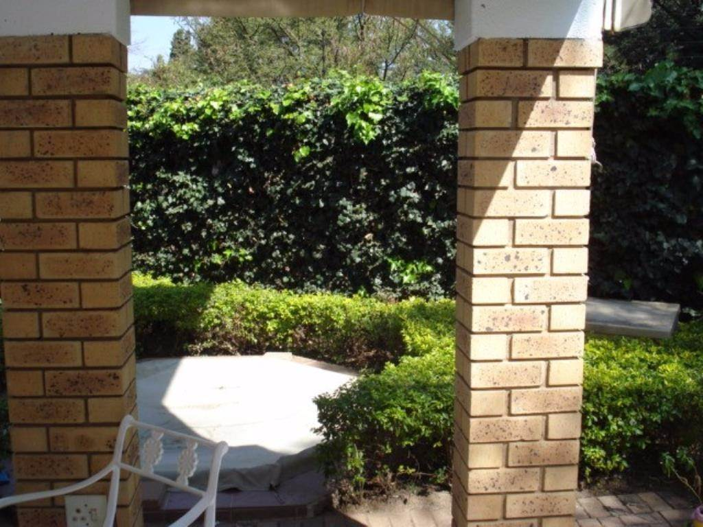 Waterkloof Ridge Ext 2 property for sale. Ref No: 13534319. Picture no 4
