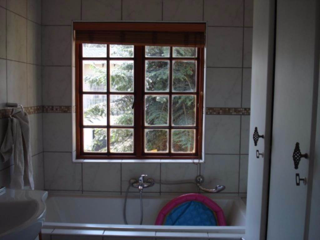 Waterkloof Ridge Ext 2 property for sale. Ref No: 13534319. Picture no 19