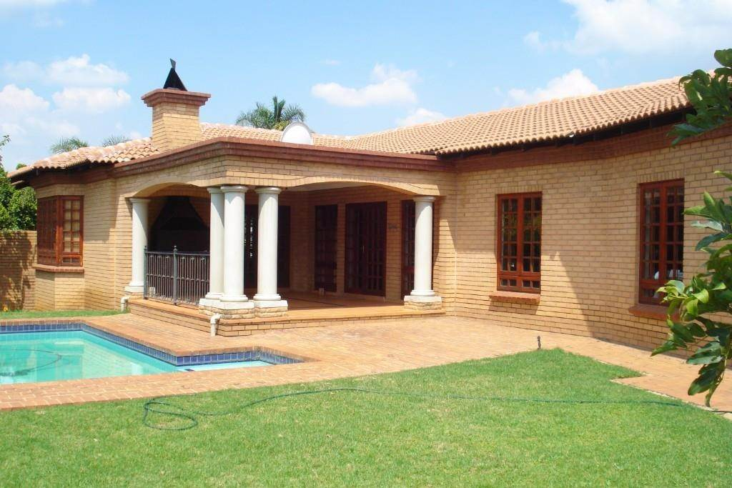 Property and Houses for sale in Waterkloof Ridge Ext 2, House, 3 Bedrooms - ZAR 3,590,000