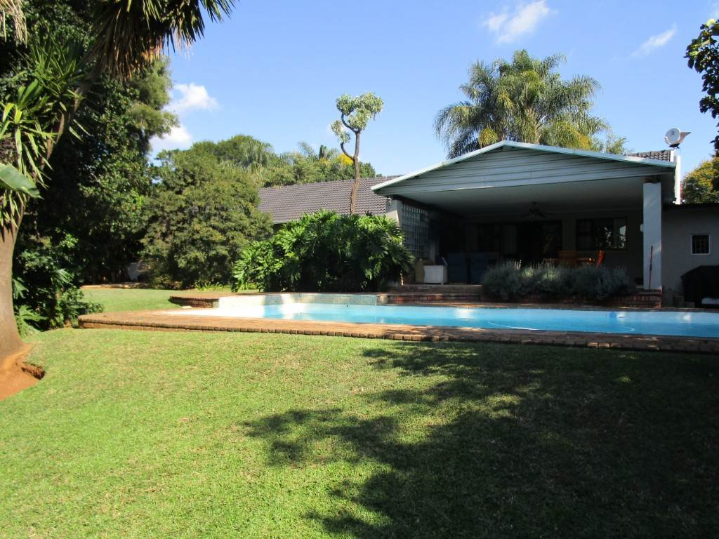 Property and Houses for sale in Meyerspark, House, 4 Bedrooms - ZAR 1,995,000