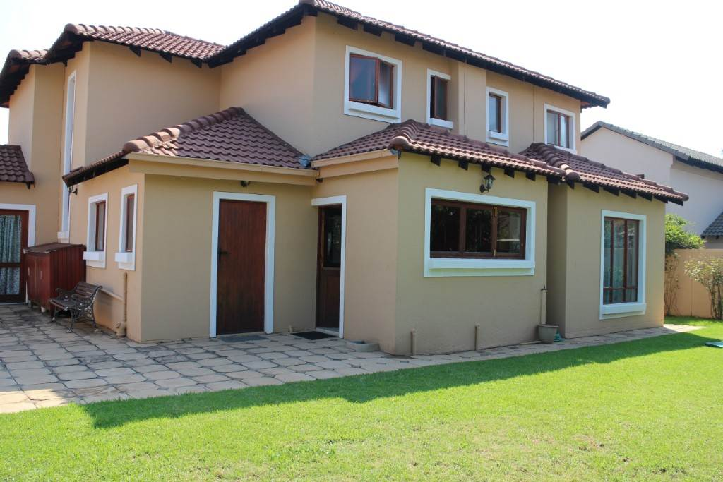 Willow Acres Estate property for sale. Ref No: 13534207. Picture no 30