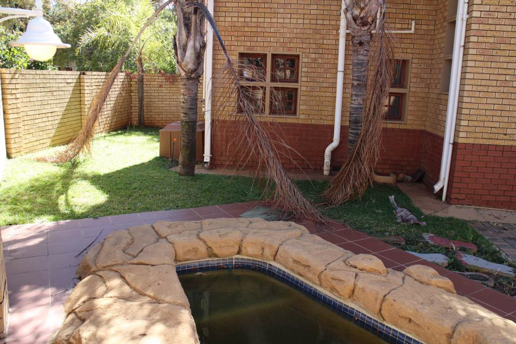 Silver Lakes Golf Estate property for sale. Ref No: 13534623. Picture no 10