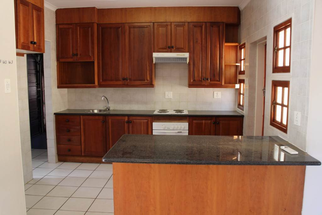 Silver Lakes Golf Estate property for sale. Ref No: 13534623. Picture no 5