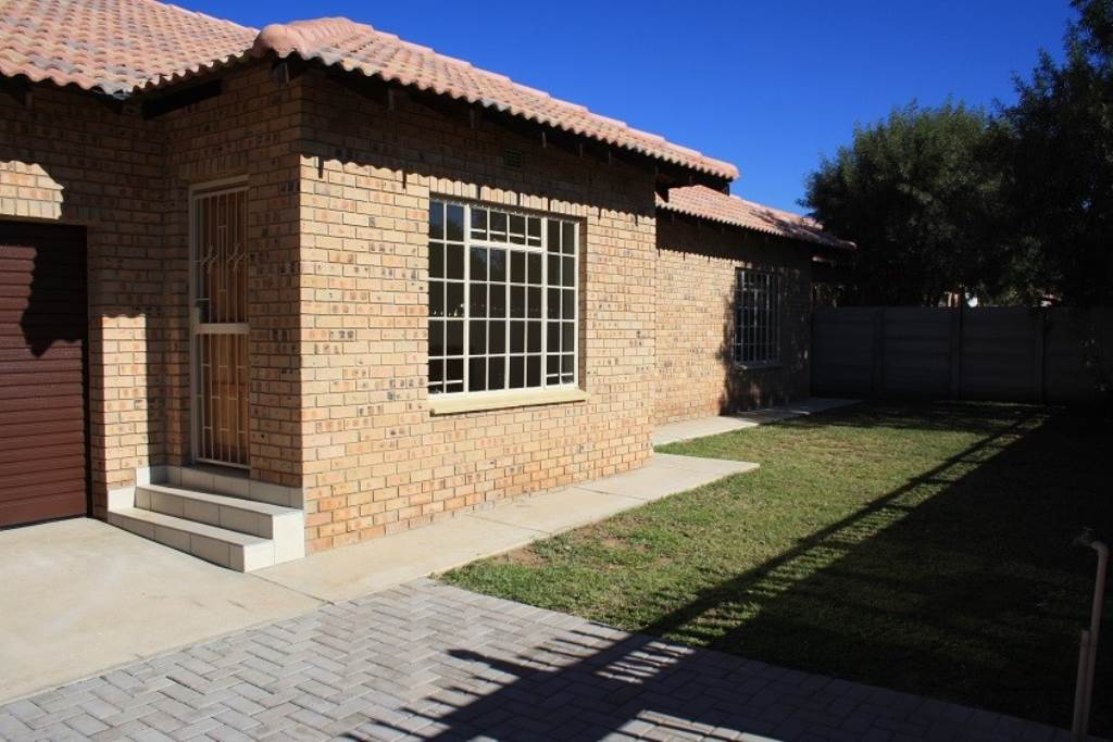 House For Sale In Nylstroom