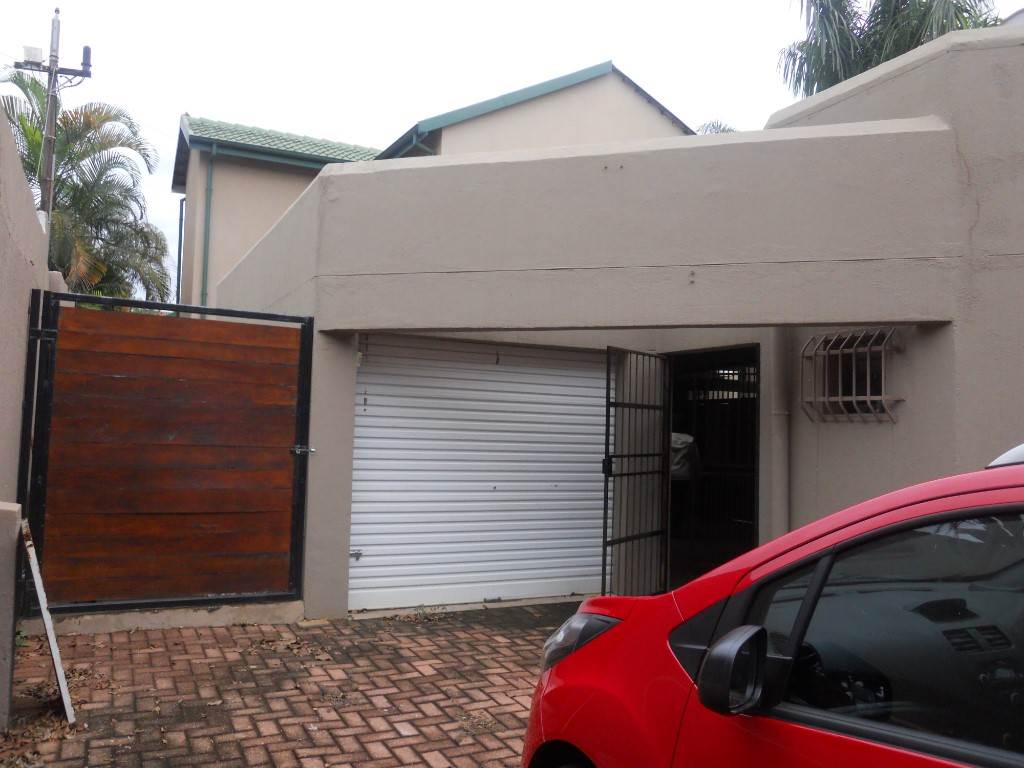 3 BedroomHouse For Sale In Kingsview Ext 3