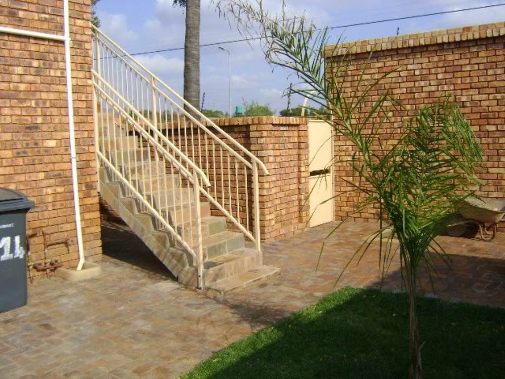 Andeon property for sale. Ref No: 13534779. Picture no 15