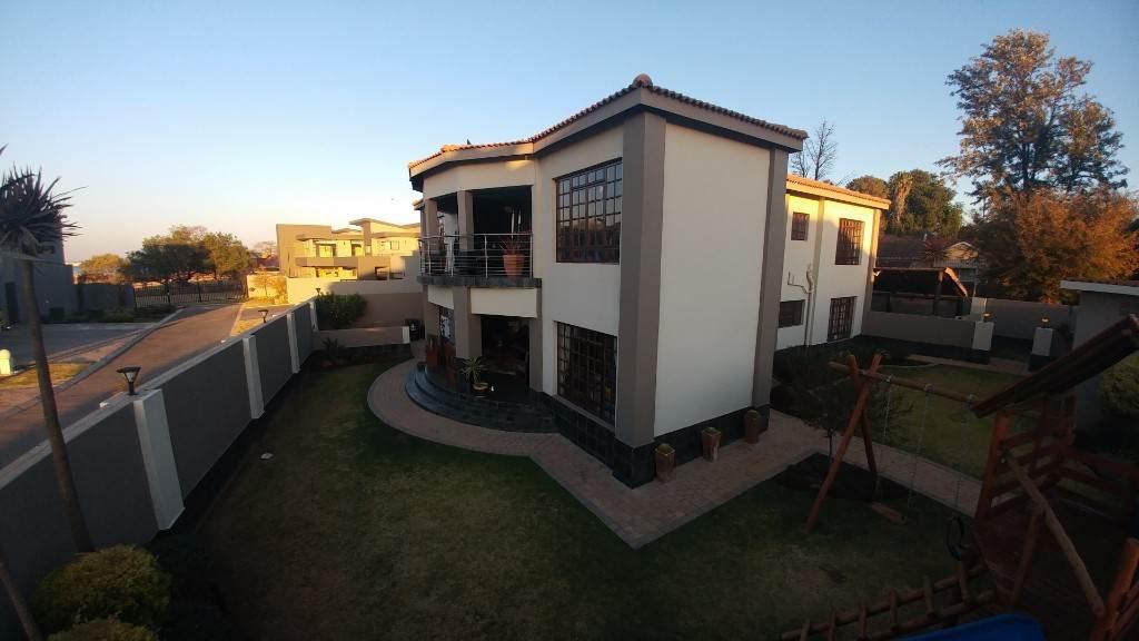 4 BedroomHouse To Rent In Presidents Dam