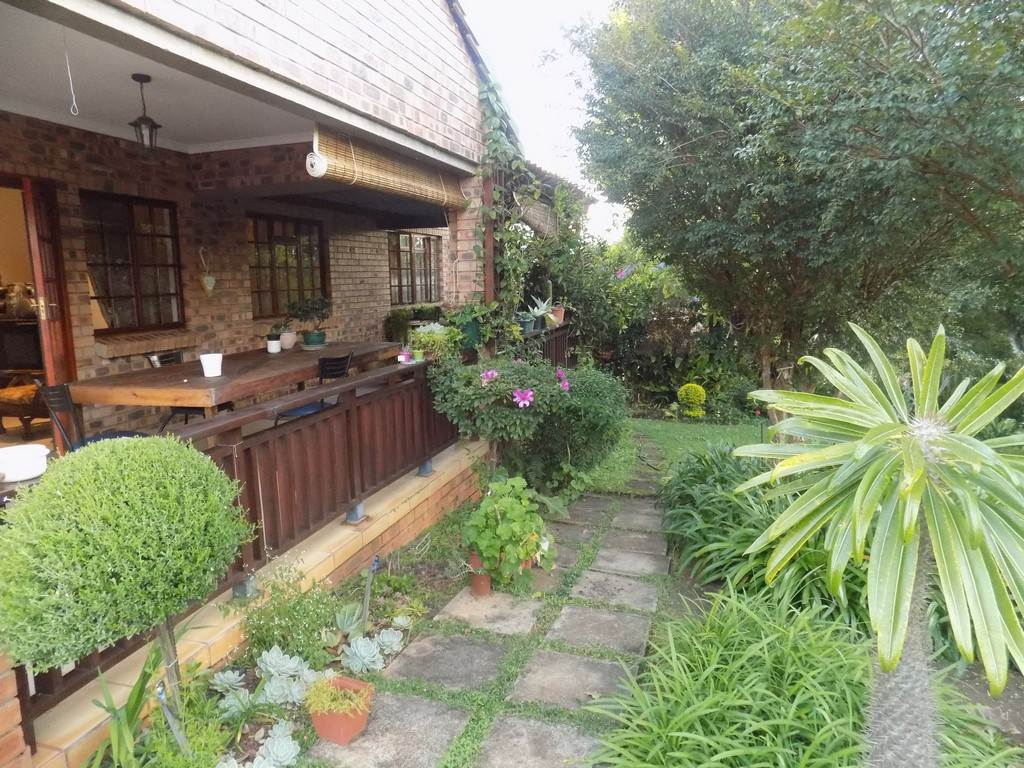 2 BedroomHouse For Sale In Aquapark
