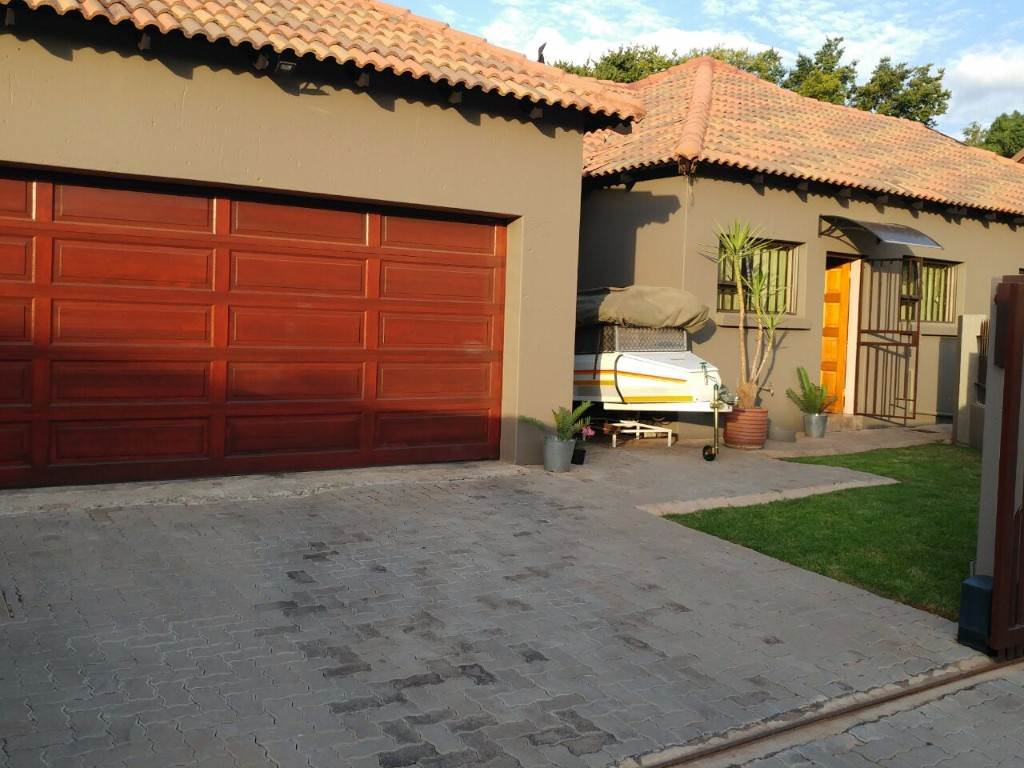 Pretoria, Rietvalleirand And Ext Property  | Houses For Sale Rietvalleirand And Ext, RIETVALLEIRAND and EXT, House 3 bedrooms property for sale Price:1,840,000