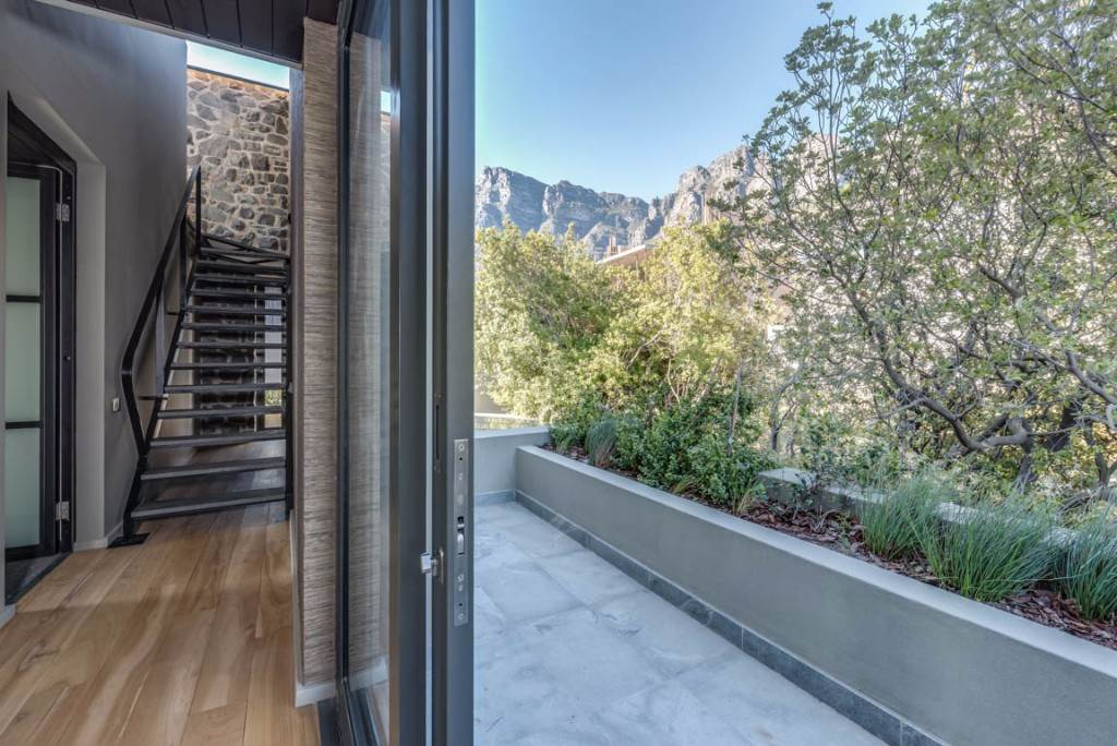 Camps Bay property for sale. Ref No: 13488719. Picture no 19